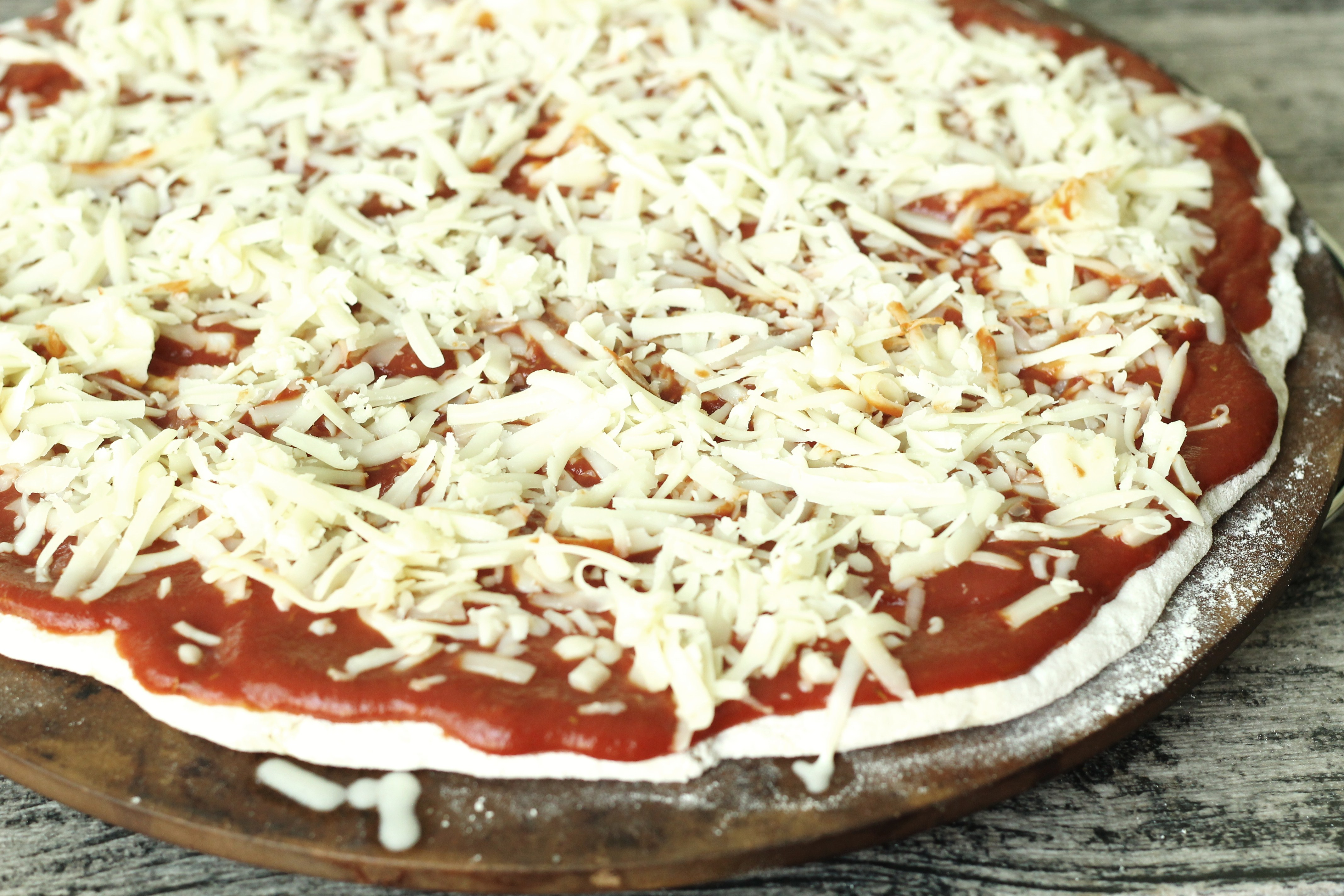 Royal Thin Crust Pizza | Slyh in the Kitchen
