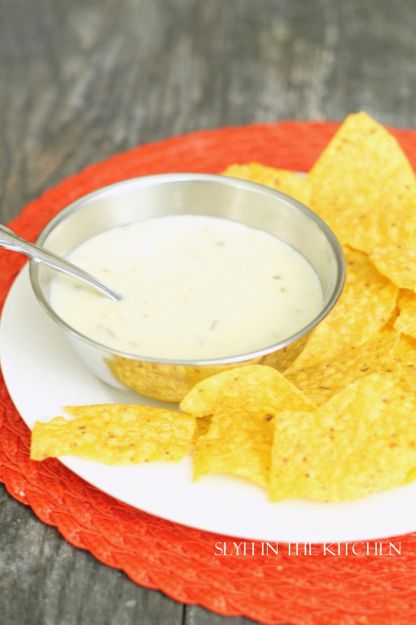 Spicy Queso Cheese Dip