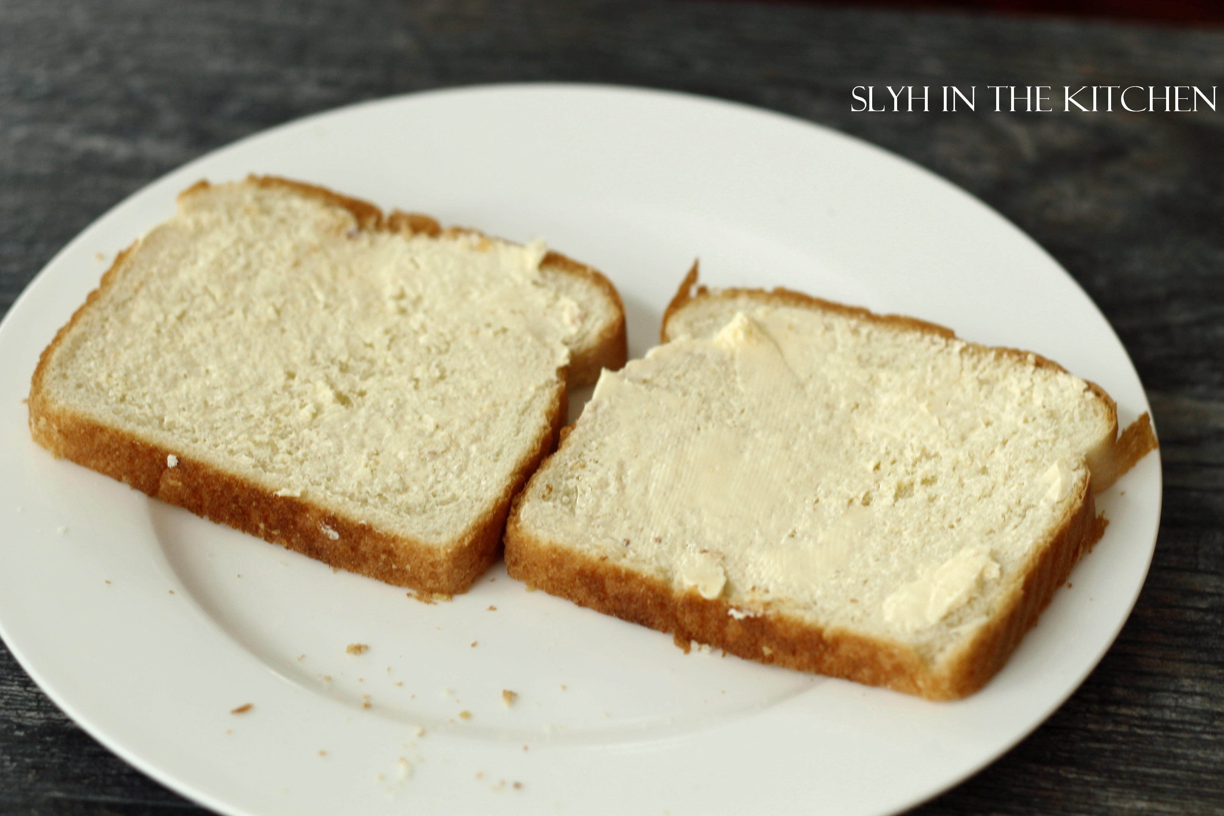 how to eat cheese slices with bread